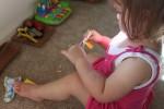 如何教幼儿使用剪刀