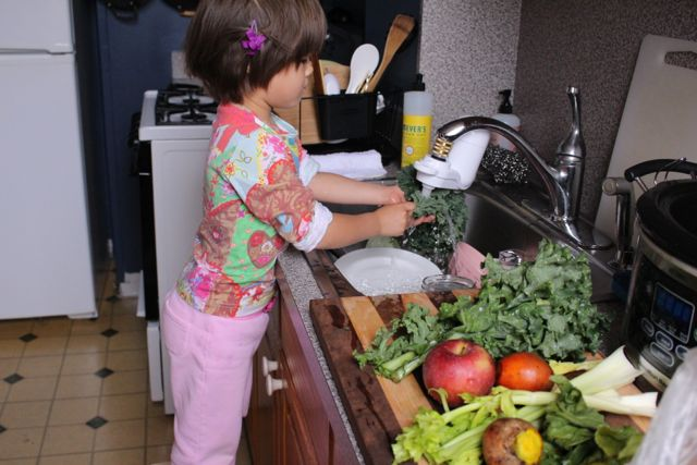 M washing fruits and vegetables to juice
