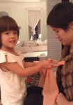 Video: How To Teach Your Child to Tie A Bow (or Learn Anything)